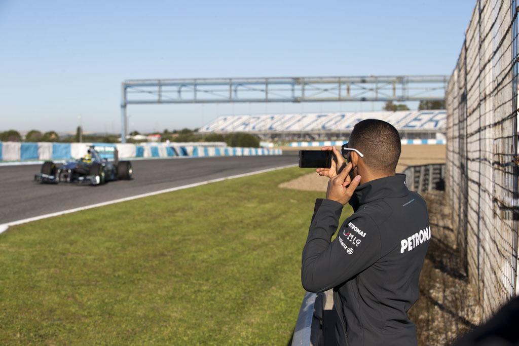 Foto de Mercedes AMG F1 W04 (6/7)