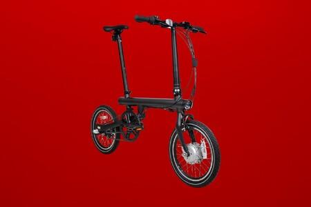 Muévete por la ciudad con la bici eléctrica de Xiaomi rebajadísima: 45 kilómetros de autonomía y plegable a 659 euros en Amazon