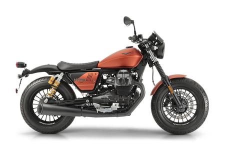 Moto Guzzi V9 Bobber Sport 2019 3