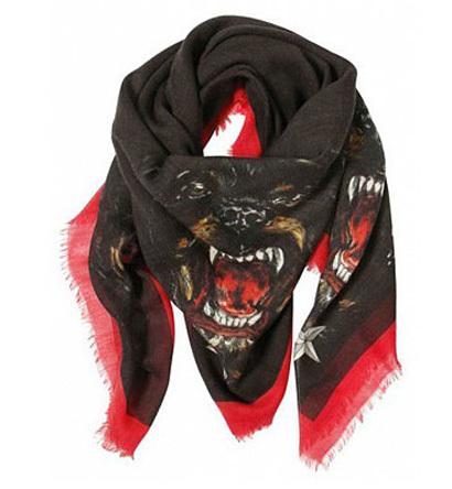 El Rottweiler de Givenchy ahora en pañuelos y bolsos