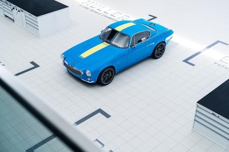 Volvo P1800 Cyan Racing 1