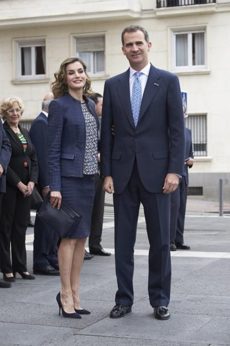 Para acudir a visitar la nueva exposición del Bosco en El Prado la reina Letizia optó por un original traje de chaqueta