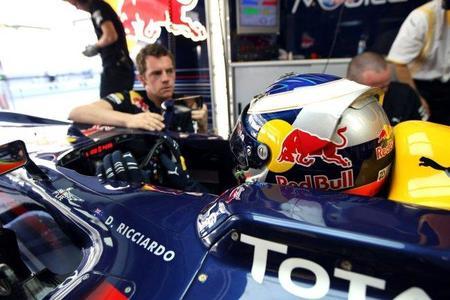 Daniel Ricciardo podría sustituir a Sébastien Buemi en Toro Rosso en 2011