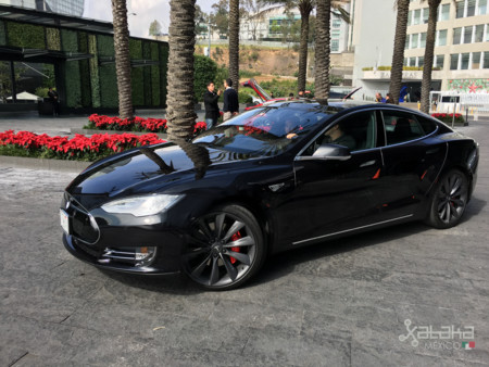 Tesla Model S Mexico 14