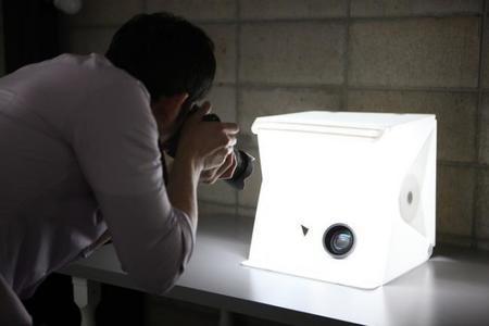 Foldio 2, un pequeño estudio portátil que se vuelve más brillante