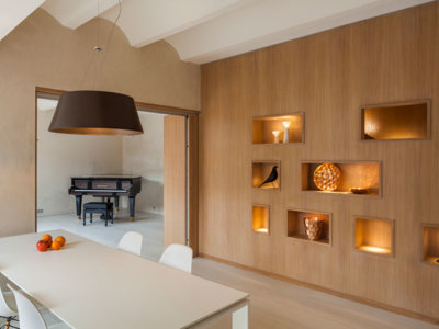 Cómo unir con éxito dos casas diferentes para crear un confortable dúplex