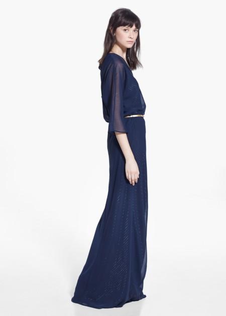 El color azul marino llena de elegancia los looks más invernales