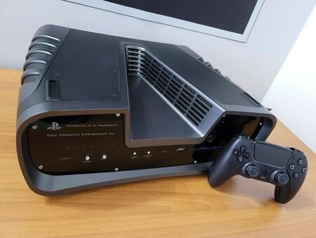 Salen a la luz kits de desarrollo de PS5 en eBay, rozan los 3.000 euros de oferta y terminan eliminados de la página de subastas
