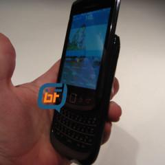 Foto 2 de 9 de la galería la-blackberry-slider-9800-nuevas-imagenes-confirman-la-pantalla-tactil en Xataka Móvil