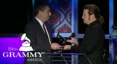 Eddy Cue recoge el Grammy póstumo en honor de Steve Jobs