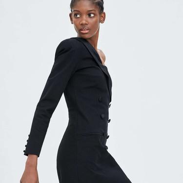 Clonados y pillados: Zara se inspira en Balmain para crear el vestido perfecto de estas Navidades