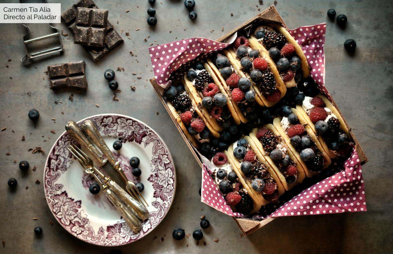 Tacos de tortitas con frutos del bosque, una receta original para el desayuno, la merienda o como postre...