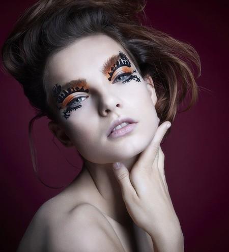Face Lace presenta su maquillaje para disfrazar tu mirada en Halloween
