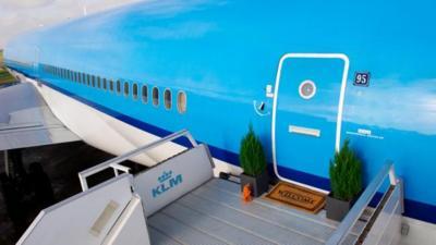 Busca bien en Airbnb, porque puedes alquilar hasta un avión