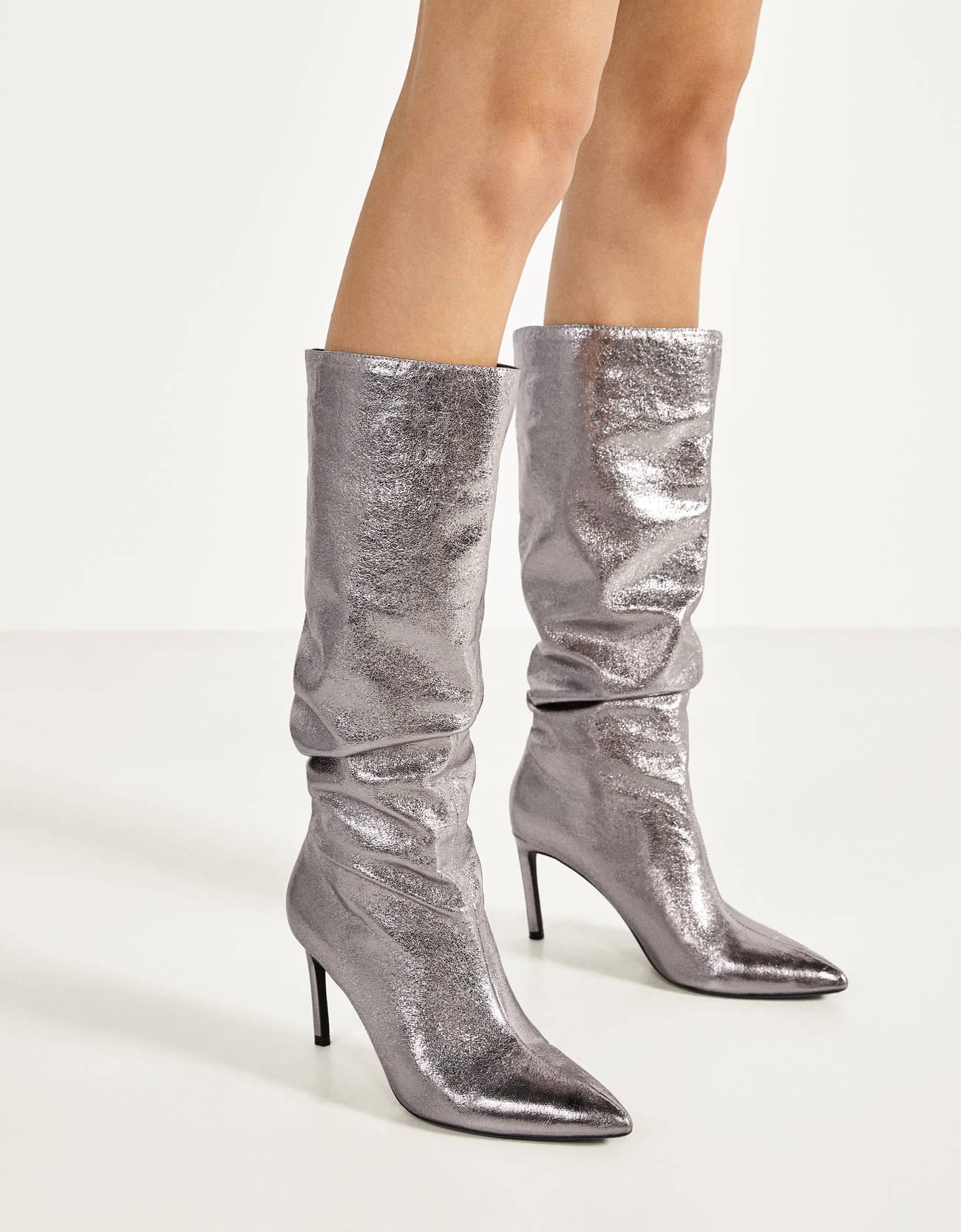 Botas metalizadas de caña arrugada