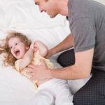 ¿En qué momento hacer cosquillas a los niños?