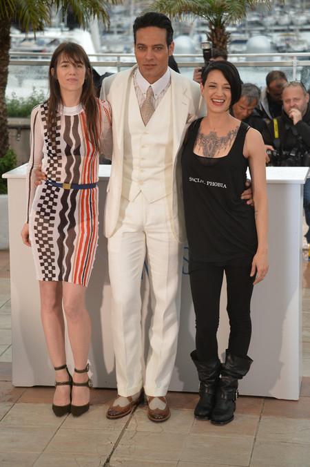 ¿Acaso sales de Miami Vice en los 80? Olvida el traje blanco (si hasta Brad Pitt va hortera)