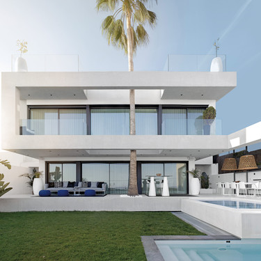 Un diseño espectacular por dentro y por fuera, en esta casa de Sitges