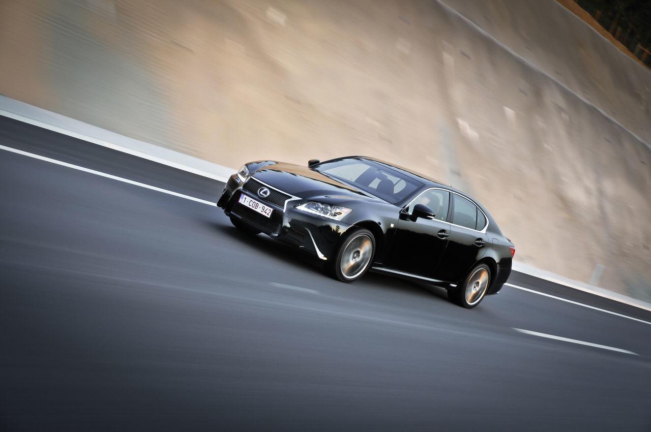 Foto de Lexus GS 450h F Sport (2012) (16/26)