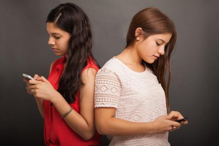 Whatsapp y dolor de cuello, ¿existe relación entre ellos?
