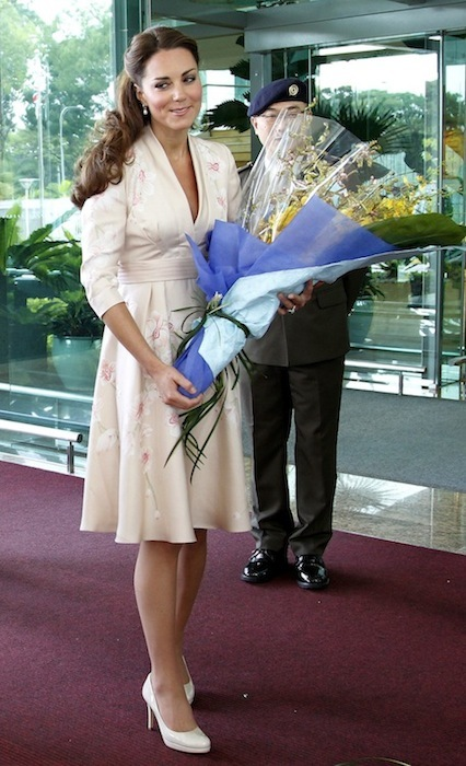 Kate Middleton, ajena a la polémica, se marca cada modelito en su viaje por Asia que alucinas