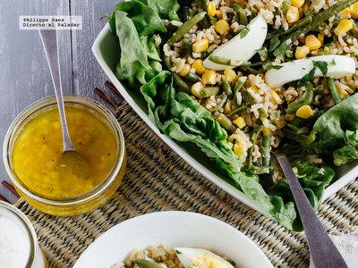 Ensalada de arroz y judías verdes. Receta saludable