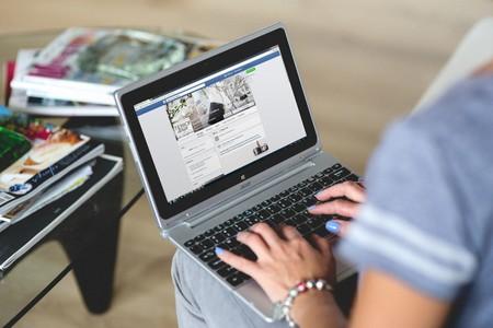 Gillian Brockell perdió al bebé que esperaba, ahora pide a Facebook y Google que sus algoritmos no se lo sigan recordando