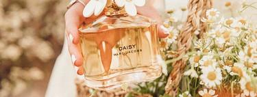 Perfumes por menos de 50 euros para regalar (o que te regalen) estas Navidades