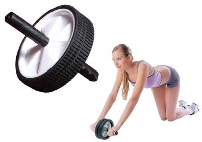 Tonifica tus abdominales con la rueda abdominal for Aparatos de ejercicio
