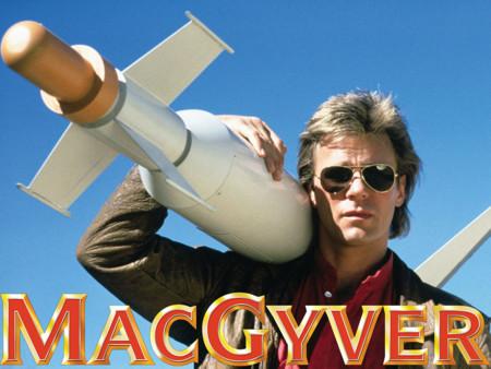 ¿Boli, goma y clip? MacGyver prefiere unas buenas gangas. Cazando Gangas