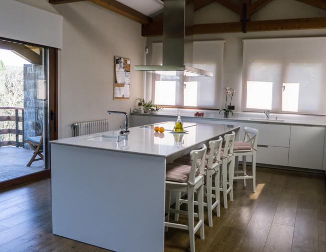 Cocinas Blancas En Isla Diseno Santos Kits Interiorisme 11