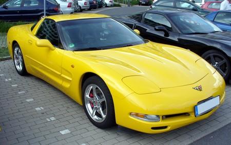 Corvette C5 coupé amarillo