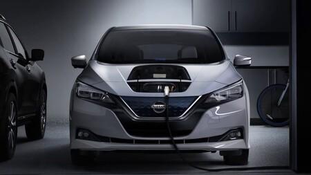 Usar el coche eléctrico para devolver la energía a la red ahorraría hasta 2.400 euros al año de luz, según Nissan