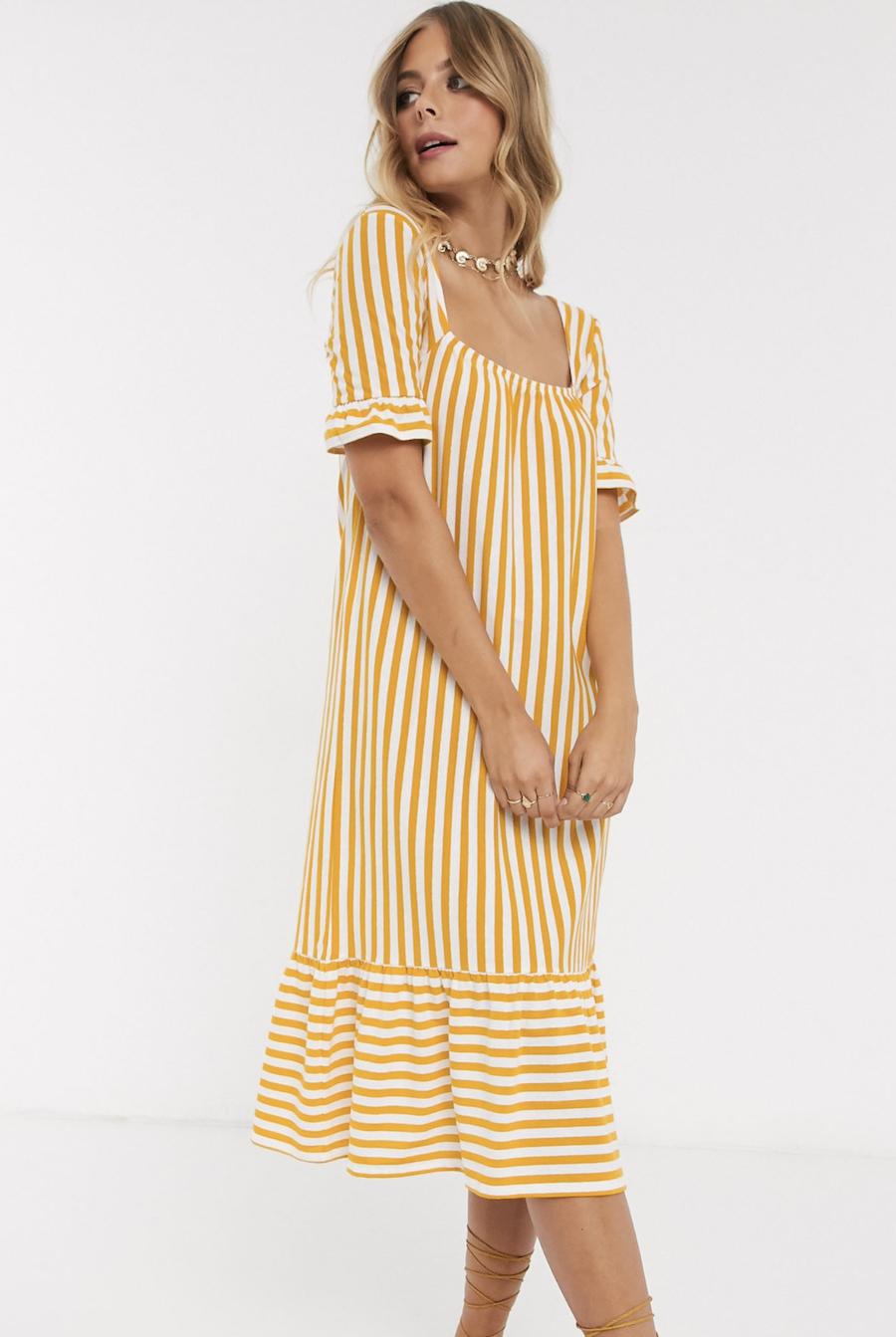 Vestido midi a rayas amarillas con escote cuadrado, volante en la manga y sobrefalda en el bajo de ASOS DESIGN