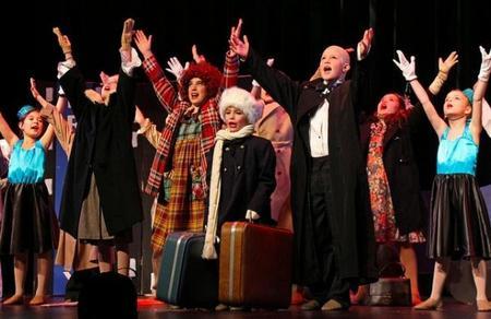 Ilusión, sonrisas, teatro: un musical representado por niños hospitalizados