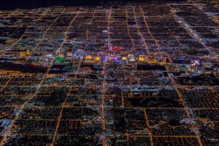 Esta espectacular imagen no es una maqueta sino Las Vegas de noche