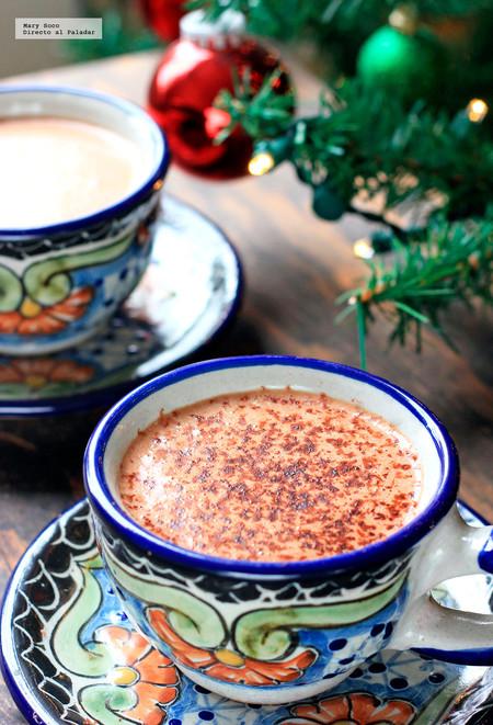 Chocolate caliente bajo en carbohidratos y sin azúcar. Receta