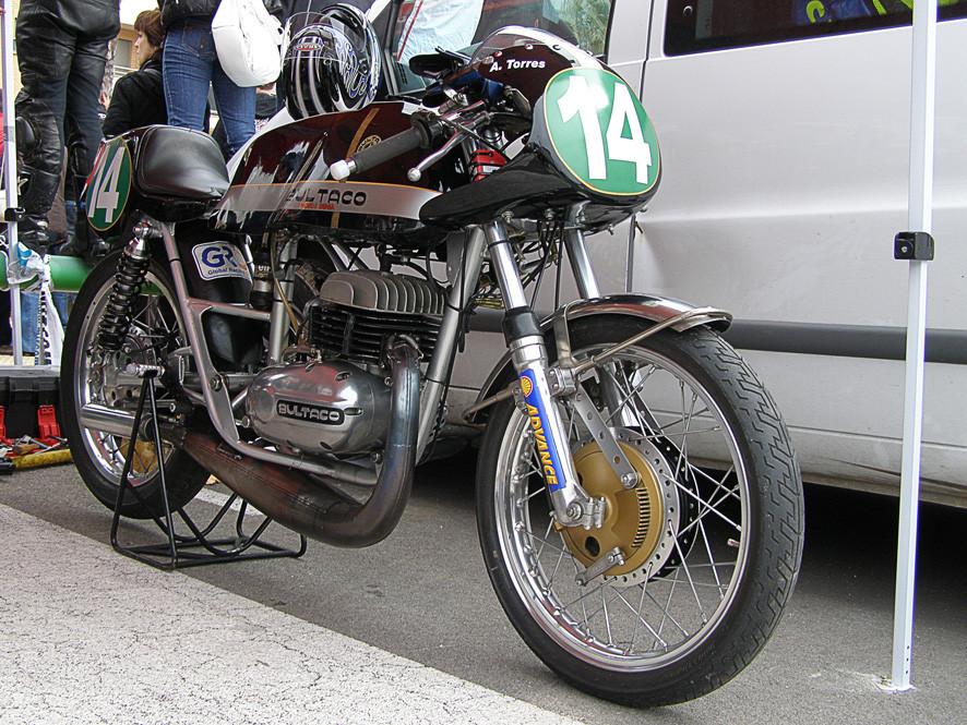 Foto de Motos clásicas en Cullera, la crónica de unas carreras clásicas en circuito urbano (15/26)