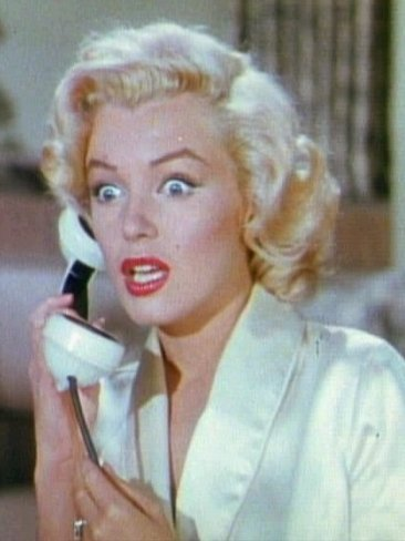 1953-marilyn_monroe_gentlemen_prefer_blondes_movie_trailer_screenshot_16.jpg