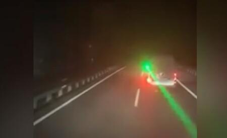 La Guardia Civil aplica la Ley Mordaza a un conductor que deslumbró con un láser a un camionero: la multa, de 30.000 euros