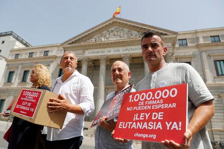 ¿Qué opinan los españoles sobre la eutanasia? Una mayoría favorable con algunas reticencias