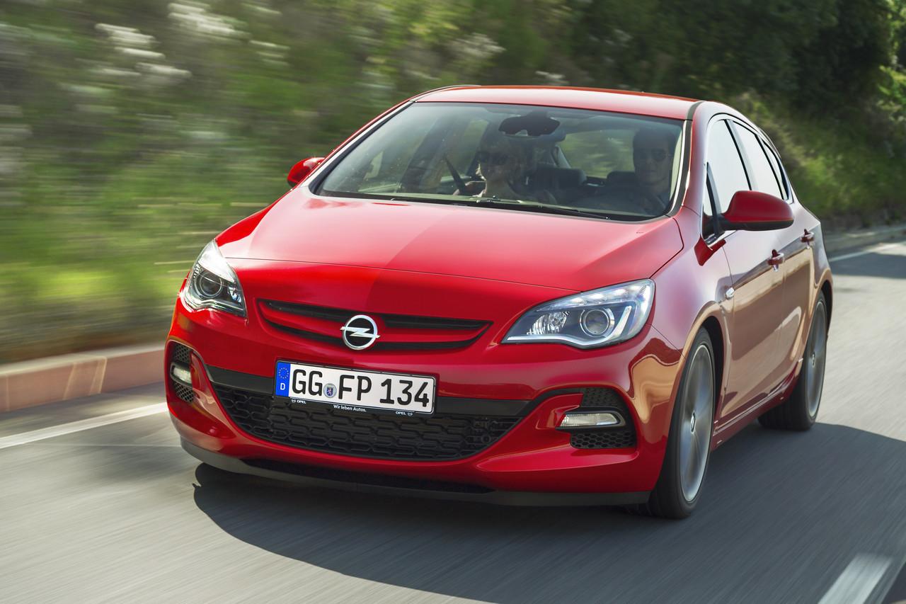 Foto de Opel Astra 2012 (21/28)
