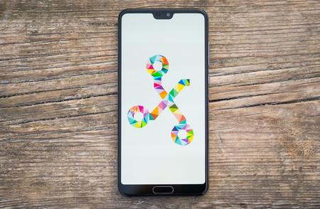 Huawei P20 Pro versión española a precio mínimo histórico en Amazon: un gama alta veterano e innovador a 379 euros