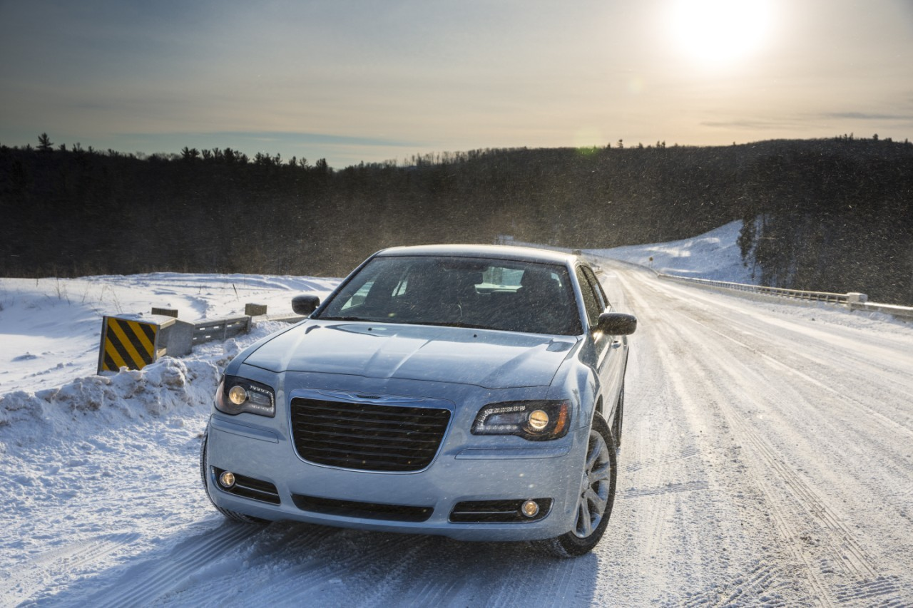 Foto de 2013 Chrysler 300 Glacier (14/27)