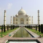 El Taj Mahal se está tiñendo de verde y nadie lo puede arreglar