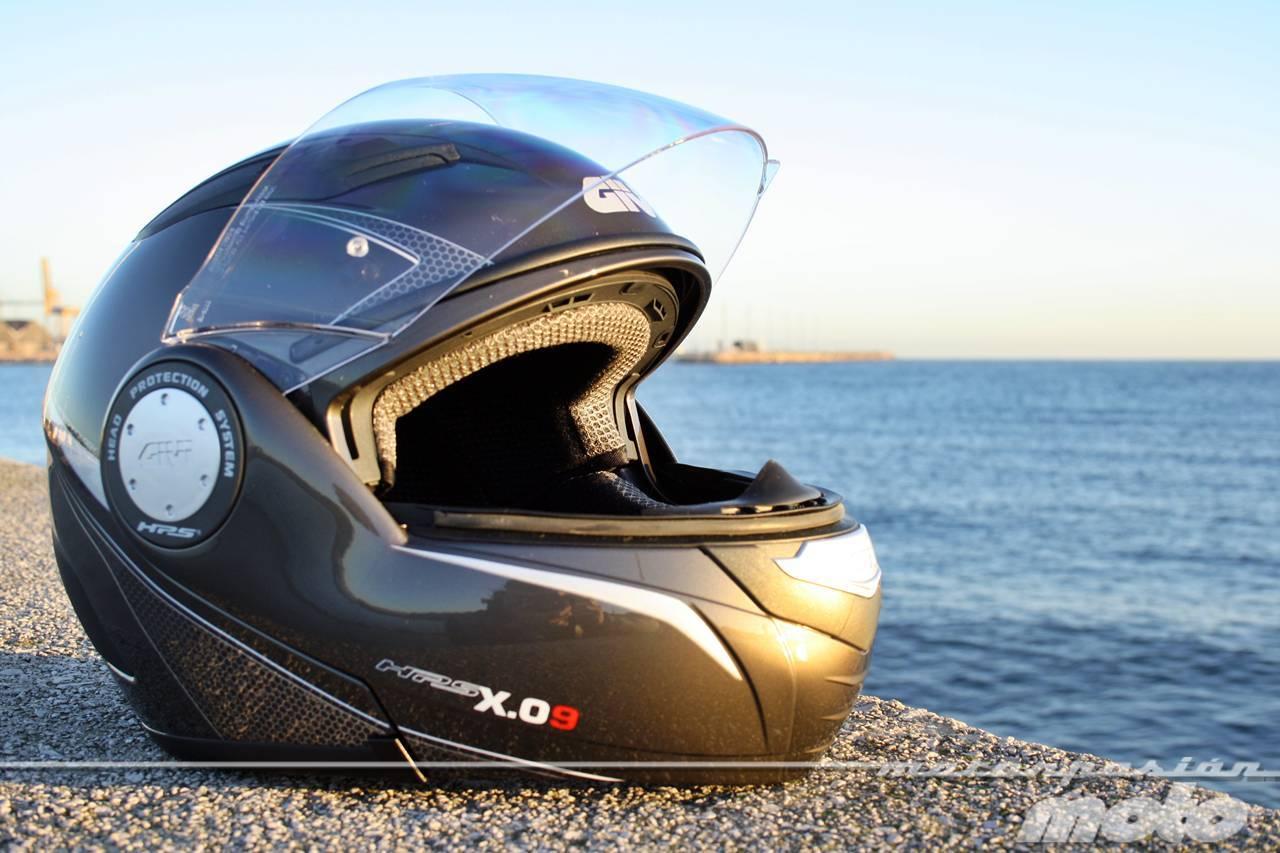 Foto de GIVI X.09, prueba del casco modular convertible a jet (5/38)