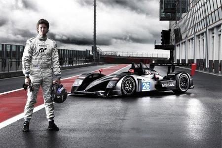 24 horas de Le Mans 2011. Lucas Ordoñez, dentro; Maxi Cortés, fuera