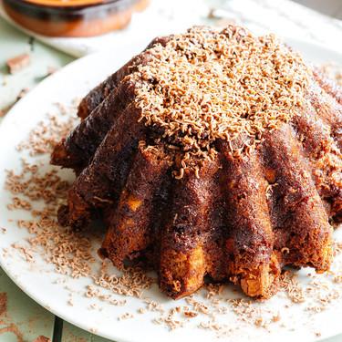 Pastel de chocolate con pan. Receta de postre de aprovechamiento