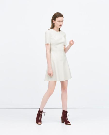 Vestido minimal de Zara