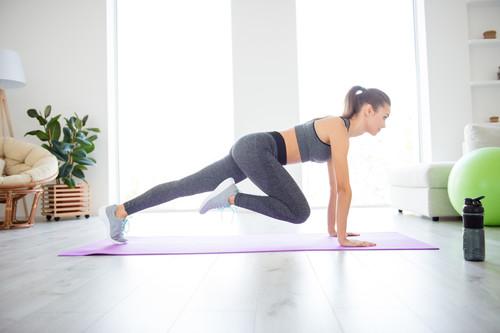 Nuestros ejercicios favoritos para entrenar cardio sin salir de casa